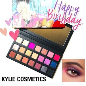 "Kylie Jenner "" Sipping Pretty"" Palette"